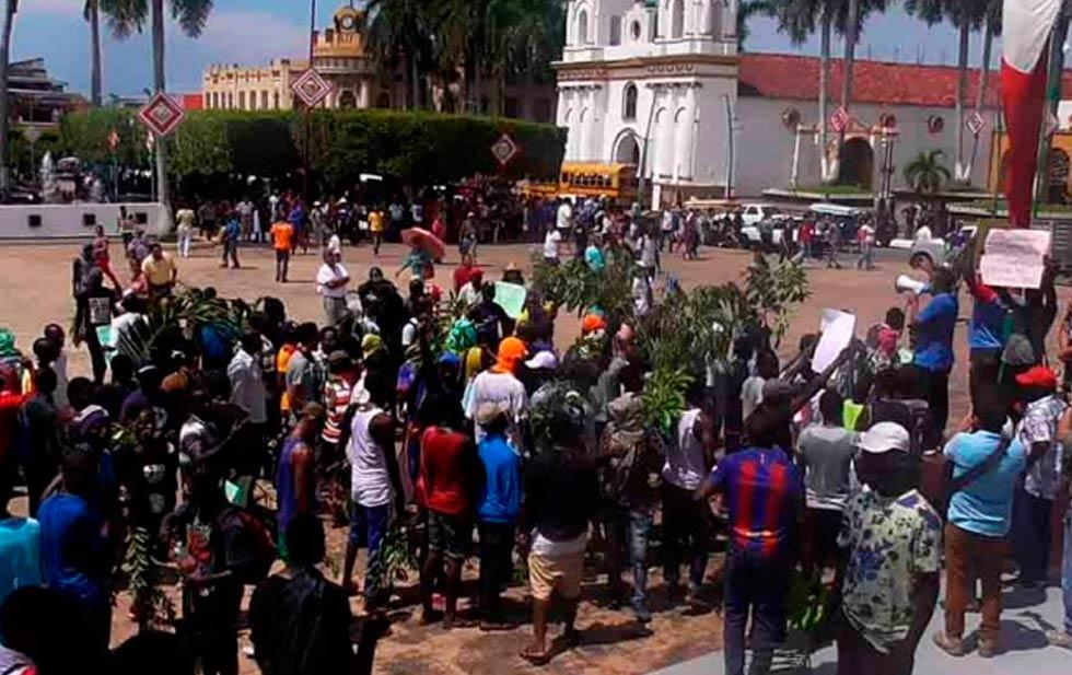 Africanos amenazan con una caravana de Chiapas a Tijuana