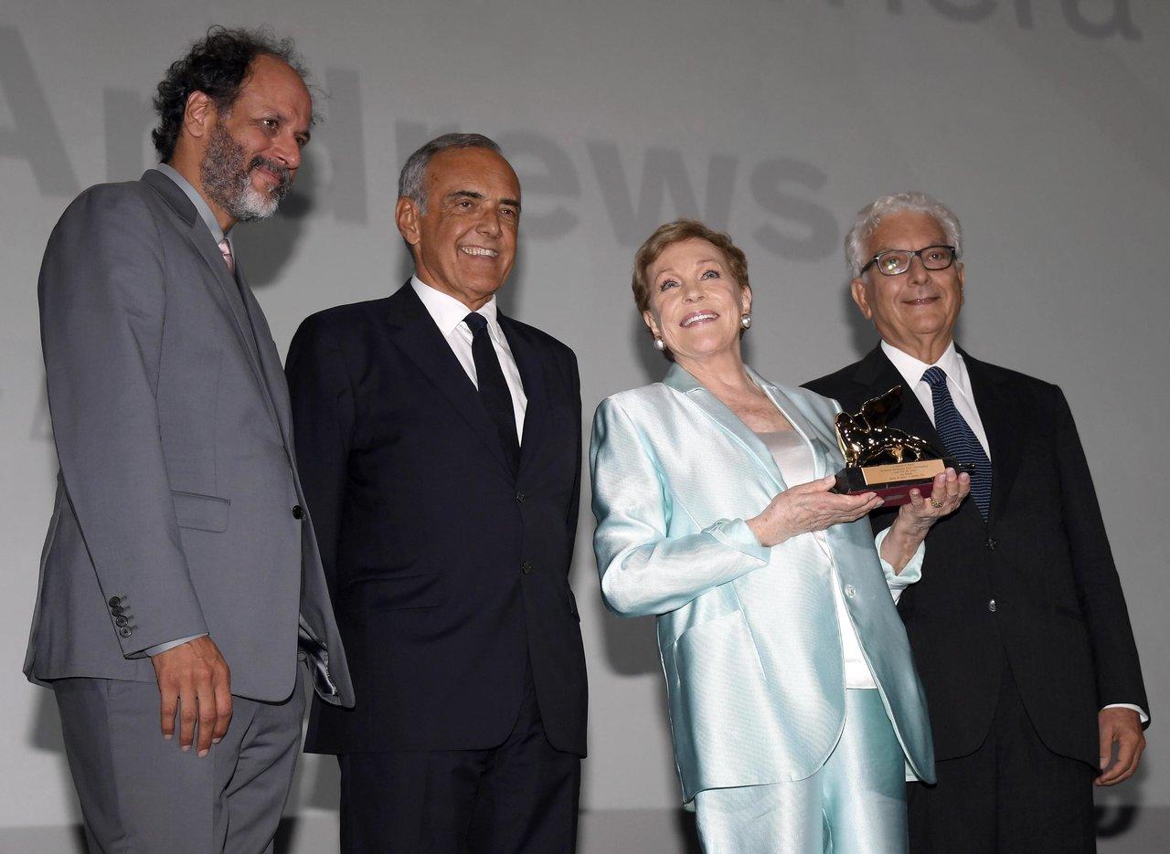 Julie Andrews es reconocida con el León de Oro honorífico