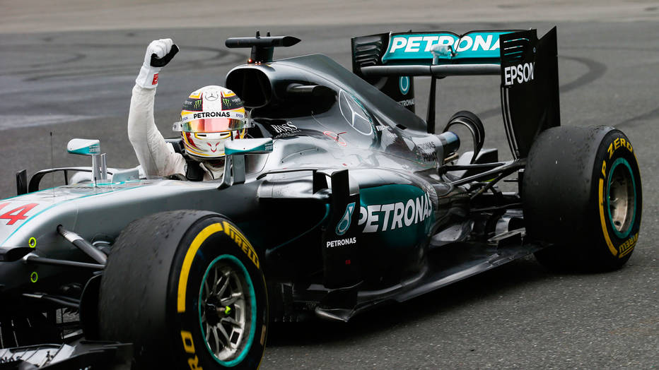 Hamilton vuelve a la punta