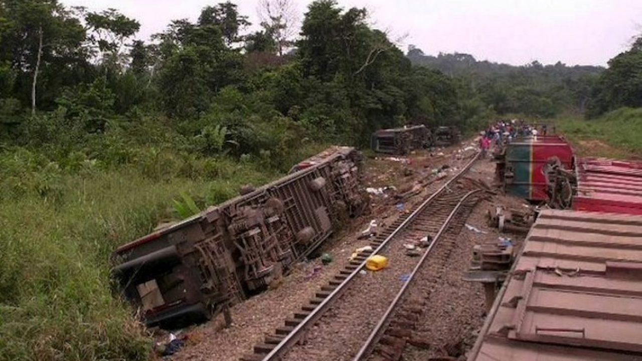 Se descarrila tren en el Congo y deja 50 muertos