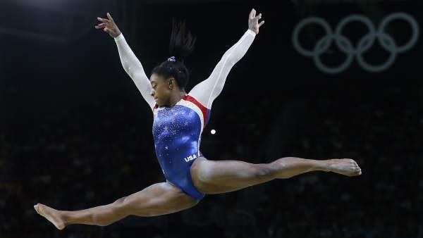 Simone Biles marca récord en el Mundial de Gimnasia