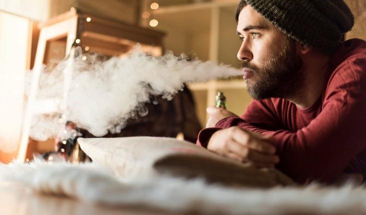 Humo de cigarro electrónico causa cáncer de pulmón
