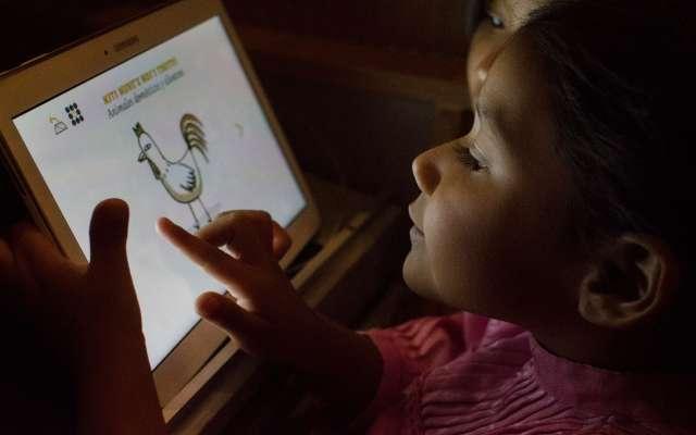 Prohíben uso de tabletas y celulares en escuelas públicas de Guerrero