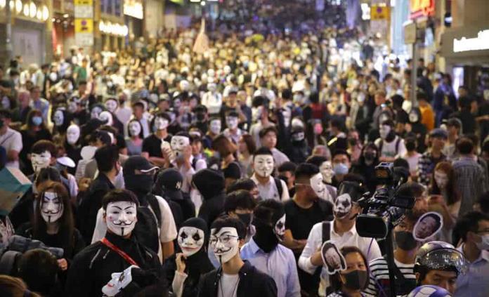 Hong Kong cae en recesión
