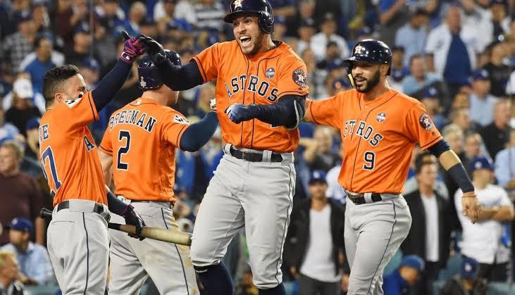 Los Astros ganan su primer juego en la Serie Mundial