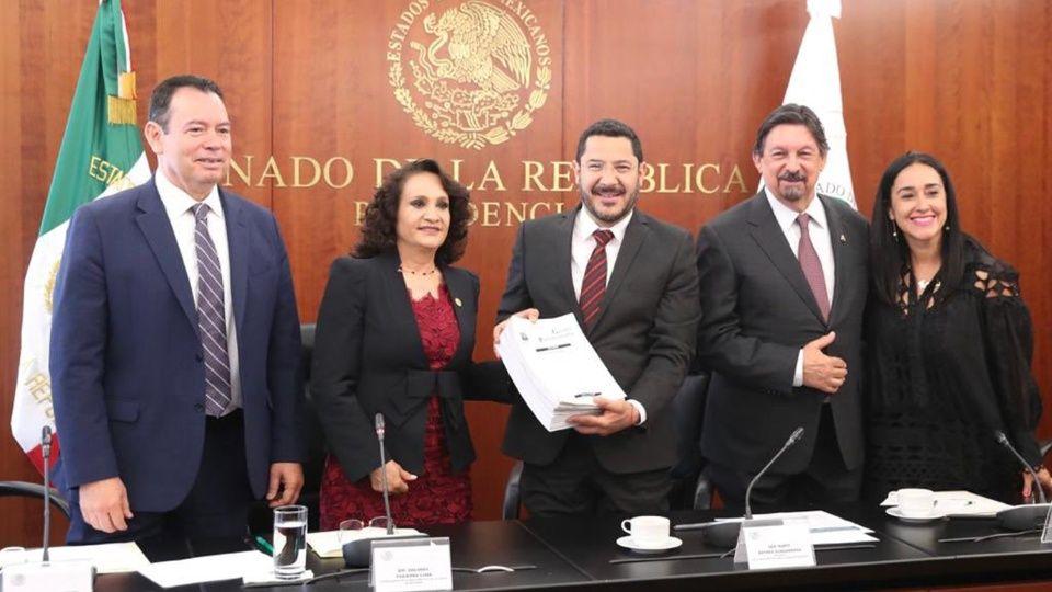Avanza en Senado con ley  que cancelará reforma laboral de Calderón