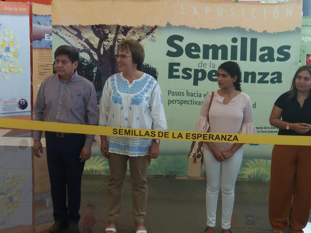 Laura Beristain inaugura exposición en Teatro de la Ciudad en Solidaridad