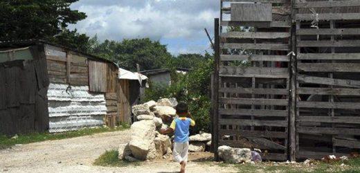 Buscan regularizar 320 asentamientos ilegales en Quintana Roo