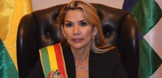 Jeanine Añez llega a la Casa de Gobierno en el centro de La Paz