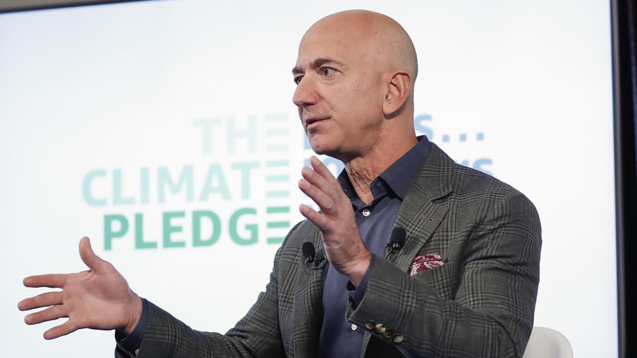 Jeff Bezos donará 10 mil mdd contra el cambio climático