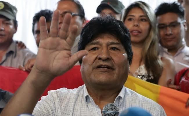 Detienen a 2 ex funcionarios de Evo Morales