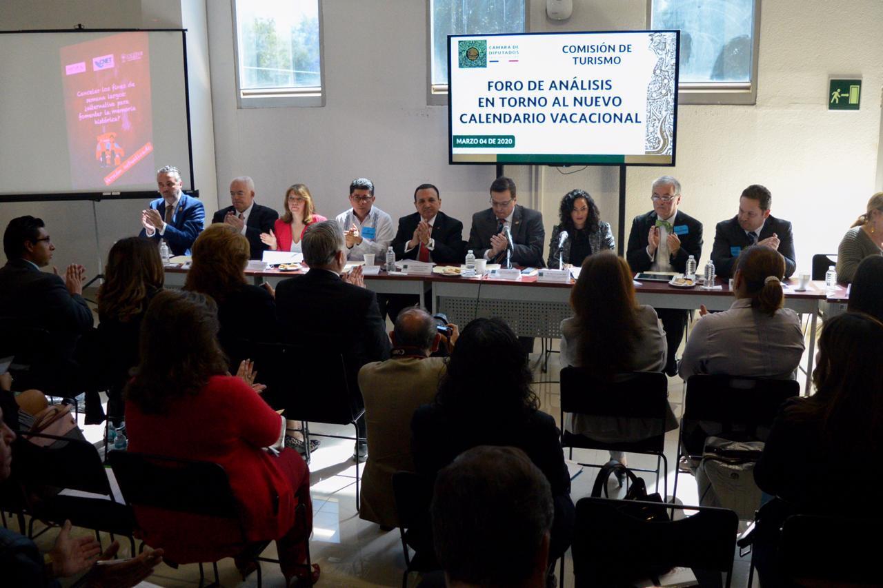 Participa AMAV en «Foro Sobre Nuevo Calendario Vacacional»