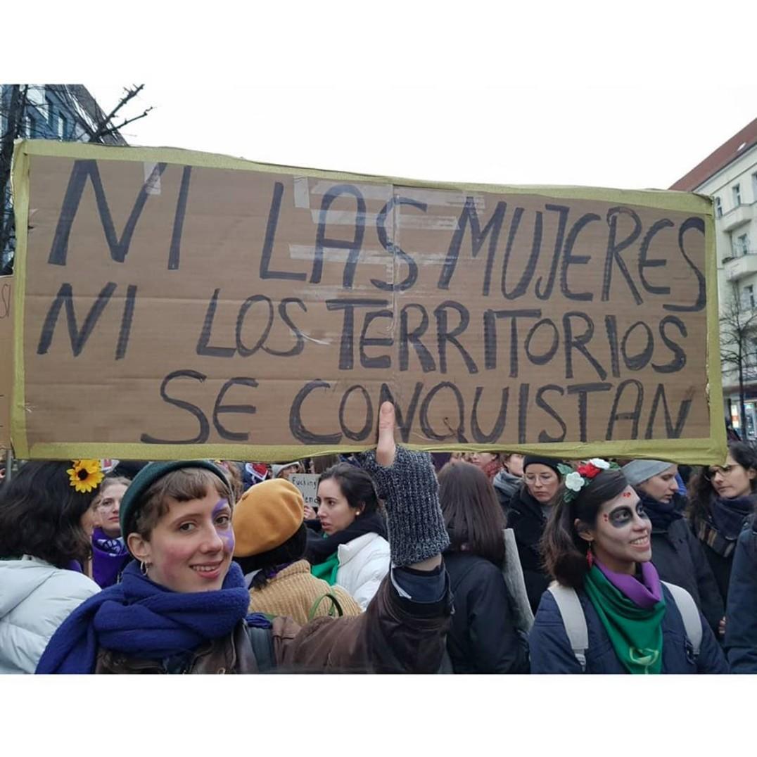 Mexicanas en Berlín se unen a la marcha del 8M