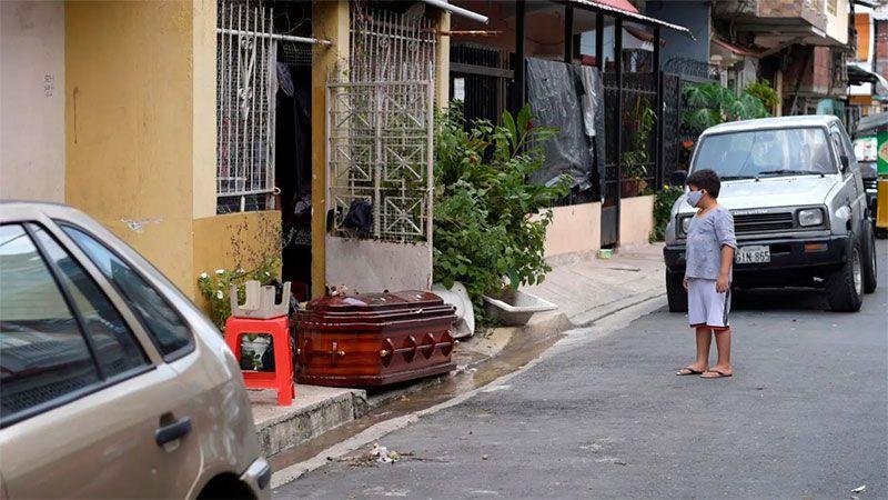 Abandonan cadáveres en las calles de Ecuador
