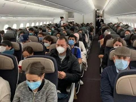 Llegarán hoy a México 274 connacionales varados en España