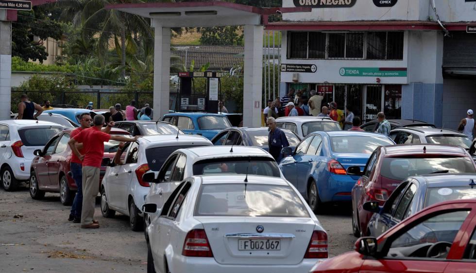 Escasez de gasolina asfixia a Venezuela