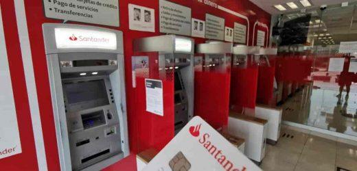 Santander reporta fallas en cajeros